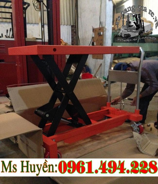 bàn nâng thủy lực 800 kg hàng mới