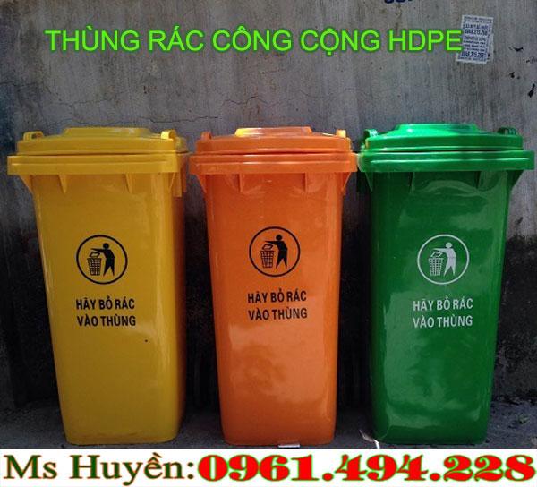 thùng rác công cộng tại Ngọc Hồi