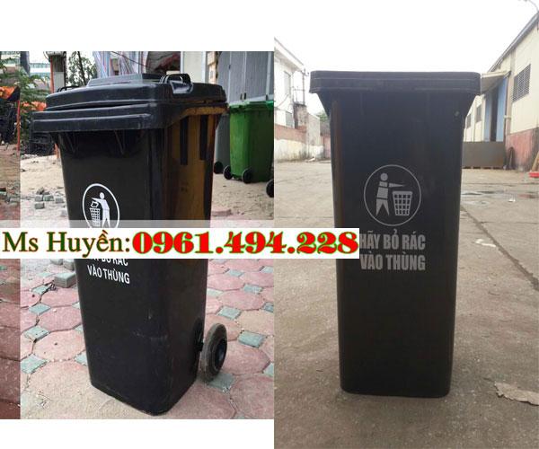 thùng rác công cộng màu đen