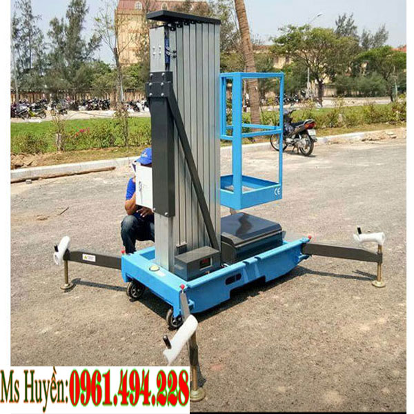 Xe thang nâng công trình tại Quảng Ninh