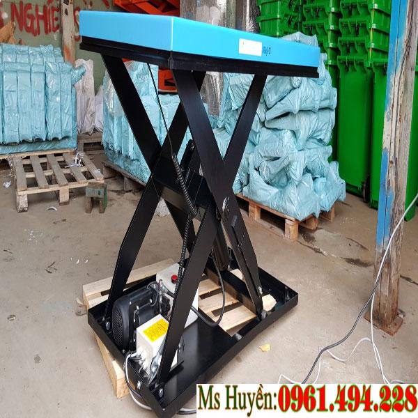 bàn nâng điện tại Bình Tân